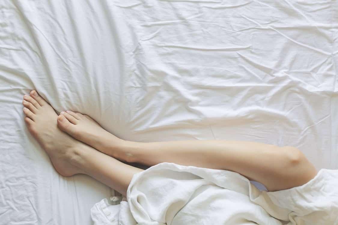 רגליים של אישה שעברו הסרת שיער